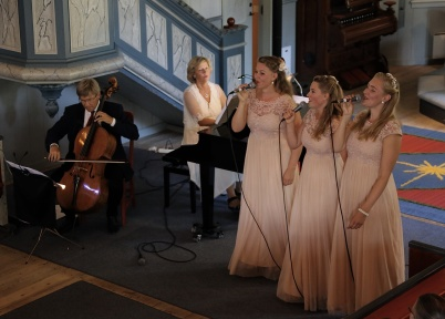 12 augusti 2018 - The Hebbe sisters och Duo Sentire  sjöng och spelade i Töcksmarks kyrka.