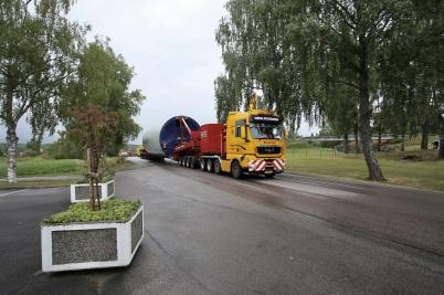 16 augusti 2018 - Och så fortsatte transporterna av torndelar till vindkraft-verken genom Töcksfors