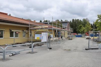 29 augusti 2018 - Nya entrén till mellan-stadieskolan började ta form.
