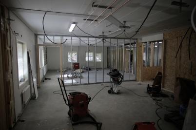 12 september 2018 - I mellanstadie-skolan började man bygga nya lektions-salar.