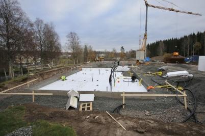 5 november 2018 - Och på Solängen började man bygga grunden till hyreshusen.