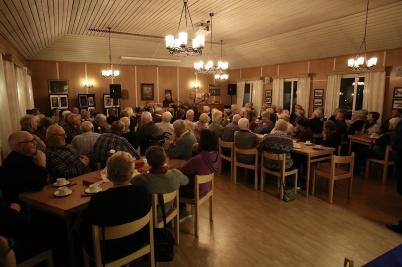 15 november 2018 - Kyrkringen ordnade församlingsafton med underhållning av Rikard Ohlin och Roger Lindström.
