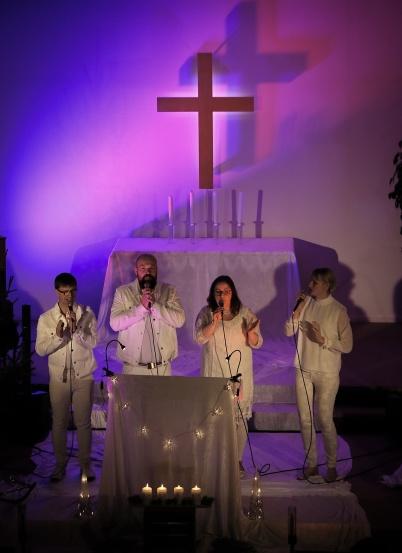 16 december 2018 - Musikgruppen HJEM bjöd på julkonsert i Equmeniakyrkan.