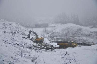 19 december 2018 - Och markarbetet för bygget av tullstationen fortsatte.