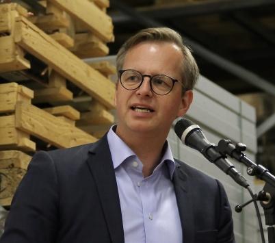 Närings- och innovationsminister Mikael Damberg höll invigningstalet.