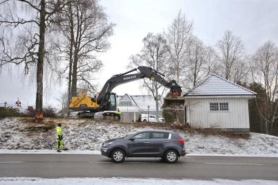 Tidigare revs även ett garage på Älverud.