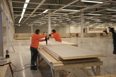 30 november 2017 - Lokalen användes tillfälligt som verkstad för tillverkning av innerväggar och armering för pågående utbyggnad av shoppingcentret.