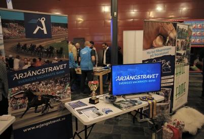 Årjängstravet och Travskolan informerade om sin stora verksamhet.
