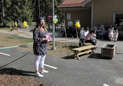 17 maj 2018 - Madelén Alfredsson, förskolechef på Junibacken, tackade de som tackas bör.