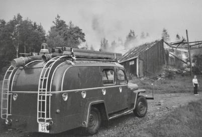 Töcksfors brandkår ryckte ut till Kallnäset efter åsknedslag i ladugården.