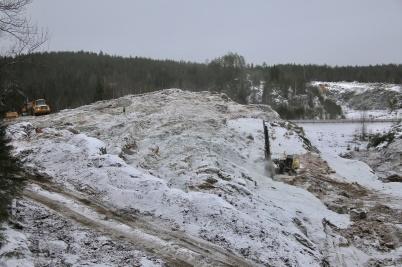 15 januari 2019 - Det borrades för första sprängsalvan på området där nya tullstationen skall byggas.