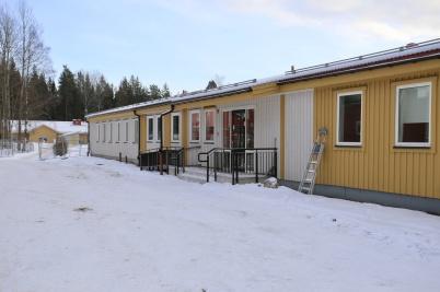 23 januari 2019 - Bygget av Töcksfors skola:s nya expeditionsbyggnad var i det närmaste klart.