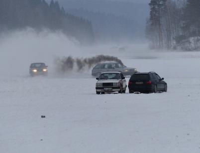 26 januari 2019 - Sjön Töck invaderades av norska racingteam och andra, vilket omöjliggjorde för folk i bygden att nyttja sjöisen.
