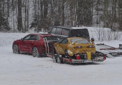27 januari 2019 - Det strömmade till fler norska ekipage, eftersom man tycktes tro att det var fritt fram att komma till Sverige och köra isracing på Töck.
