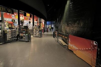 7 februari 2019 - I shoppingcentret byggde man nya butikslokaler.