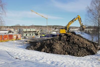 11 februari 2019 - På Solängen byggde man bullerskyddsvallar mot E18.