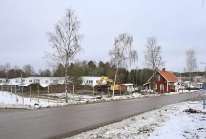 16 mars 2019 - Och vid Slusstugan pågick markarbetet för nya hyreshuset.