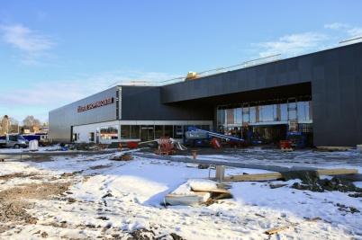 18 mars 2019 - Vid shoppingcentret jobbades det intensivt för att få allt klart till invigningen.