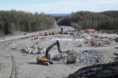 28 mars 2019 - Vid gränsen byggde man ny tullstation.
