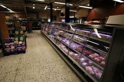 10 maj 2019 - Köttmästaren i Nordmarken och IN< >AL LA MARKET öppnade i gamla Kötthallens butik.