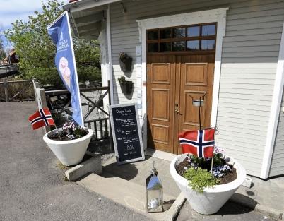 17 maj 2019 - Restaurangerna i Töcksfors centrum deltog i firandet av Norges Nationaldag.