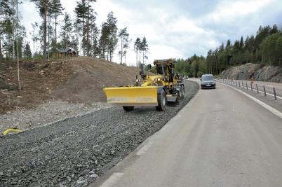 23 maj 2019 - Och vid gränsen byggde man påfartsramper till nya tullstationen.