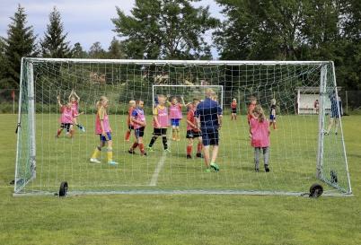 25 juni 2019 - Och på Hagavallen pågick TIF:s fotbollskola.