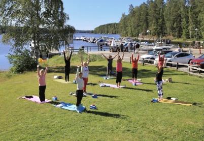 5 juli 2019 - I Sandviken kunde man även prova på Yoga.