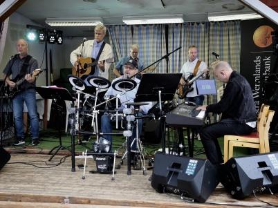 7 juli 2019 - Country Gospel Team med Stig Lindell spelade från scenen på torget.