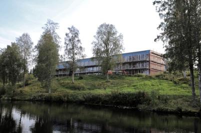 10 september 2019 - Arbetet med hyreshusen vid kanalen fortskred . . .