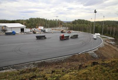 22 oktober 2019 - Och vid tullstationen pågick asfaltering  . . .