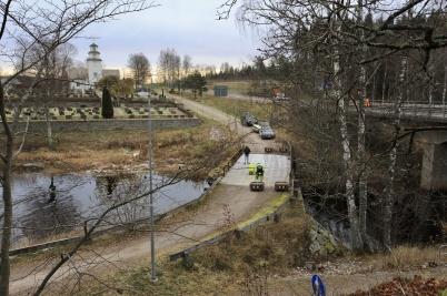 6 november 2019 - Dalslands Kanal påbörjade arbetet med restaurering av den gamla vägbron väster om kyrkan.