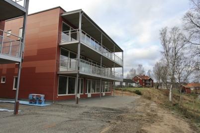 7 november 2019 - På Solängen jobbade man med den yttre miljön kring nya hyreshusen.