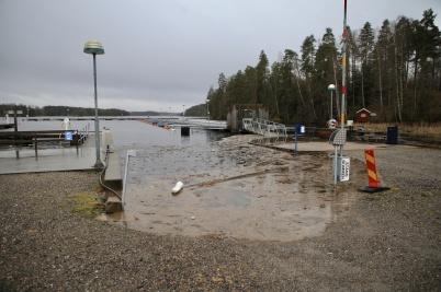 16 december 2019 - I Sandviken steg vattnet upp på grusplanen.