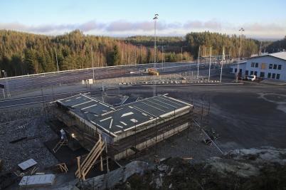 18 december 2019 - KHG:s byggnad vid gränsen kom också under tak före julledigheten.