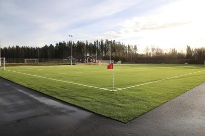 30 december 2019 - Konstgräsplanen på Hagavallen låg klar för kommande fotbollsmatcher.
