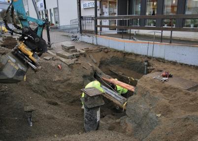 18 november 2019 - Vattenledningen till Kvarnen anslöts till nya ledningen.