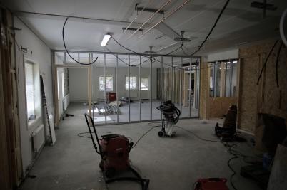 12 september 2018 - Här byggs skolsal, där skolexpeditionen fanns.