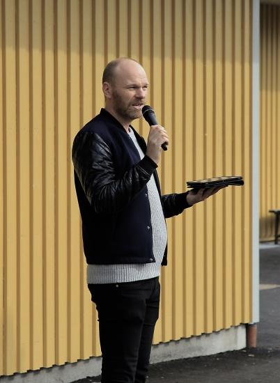 Tony Nilsson (MP), ordförande i Barn- och utbildningsnämnden, höll ett framtidstal.
