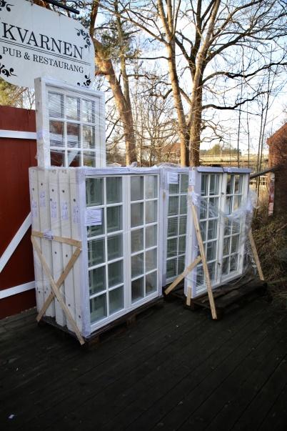 15 januari 2020 - Kvarnen fick nya specialbeställda fönster.