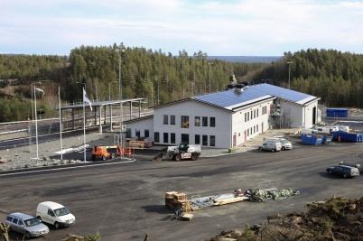 11 mars 2020 - . . . liksom arbetet med färdigställandet av nya tullstationen.