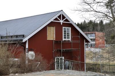 13 mars 2020 - Och Kvarnen fick nya specialbeställda fönster.