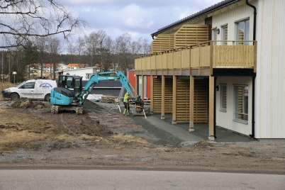 17 mars 2020 - Marken kring nya hyreshuset vid slussen finputsades.