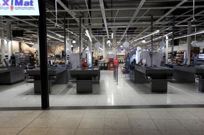 2 april 2020 - Inne i shoppingcentret var det tomt och öde.