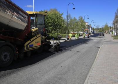 19 maj 2020 - . . . och ny asfalt kom på plats.