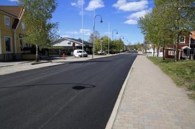 20 maj 2020 - Sveavägen genom Töcksfors fick ny asfaltbeläggning.