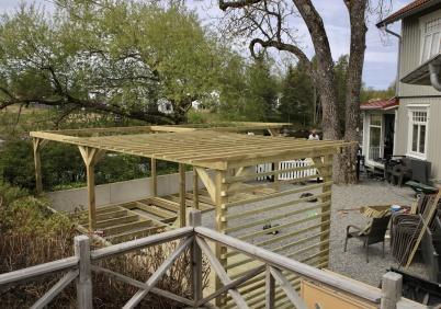 21 maj 2020 - Waterside Restaurant anpassade trädgården för att kunna ta emot gäster coronasäkert.