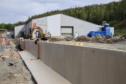 27 maj 2020 - Och arbetet med utbyggnad av norbag fortskred.