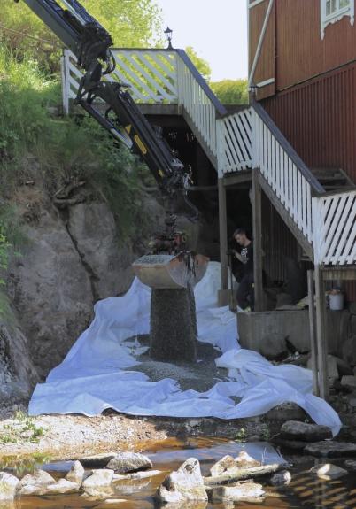 29 maj 2020 - Vid Kvarnen fick slänten mot vattnet en uppfräschning.