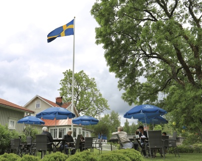 6 juni 2020 - Glassträdgården vid Waterside öppnade - på Nationaldagen.